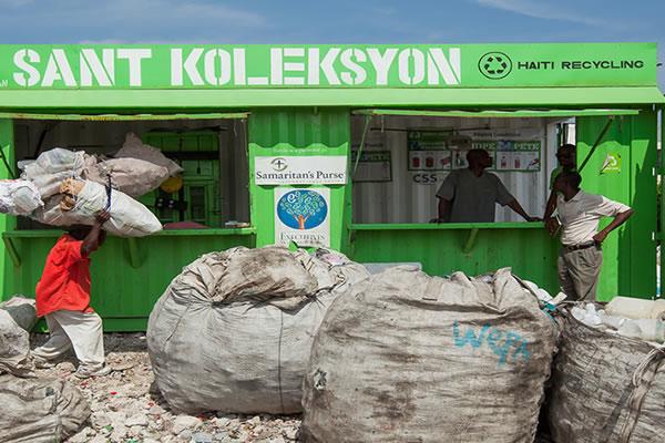 packaging_social_plastic_haiti_henkel